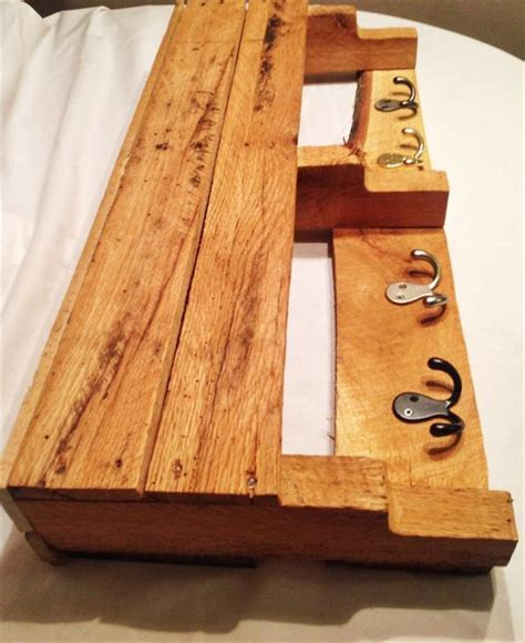pallet entryway hooks coat rack pallet furniture plans