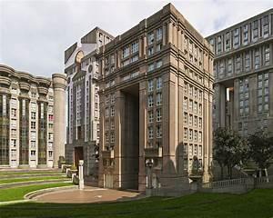 Postmodern Neoclassical Housing Estate: A Theoretical