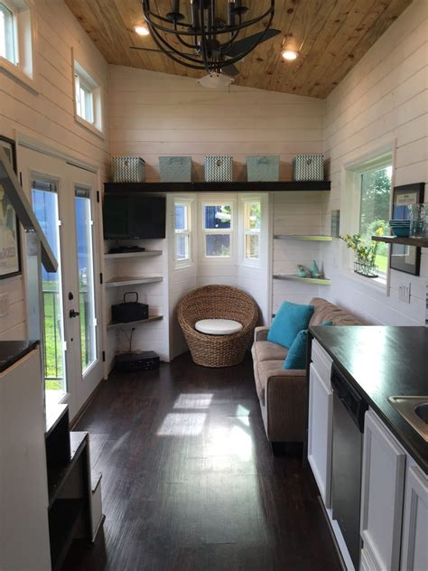 luxurious tiny house  tennessee  sq ft tiny house