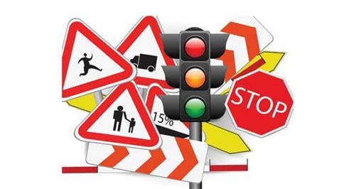 rambu rambu  lintas keterangan  gambar
