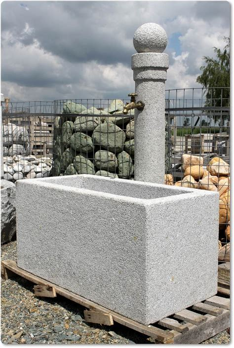 Steinbrunnen Mit Kugel  Steinbrunnen Mit Kugel