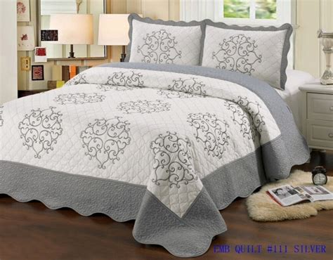 Quilt Queen Size 3 Pc Bedding Bed Set / Bedspread