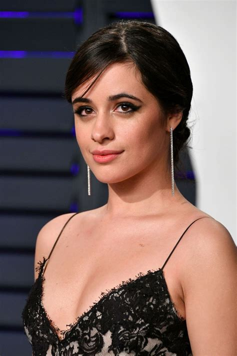 foto de Camila Cabello At 2019 Vanity Fair Oscar Party in Beverly