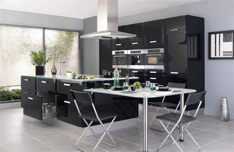 tapisserie de cuisine moderne une cuisine pour une déco lumineuse travaux com