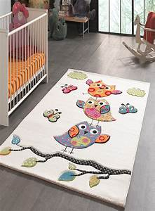 Tapis Pour Bébé : tapis pour la chambre kids chouettes creme de la collection unamourdetapis ~ Teatrodelosmanantiales.com Idées de Décoration