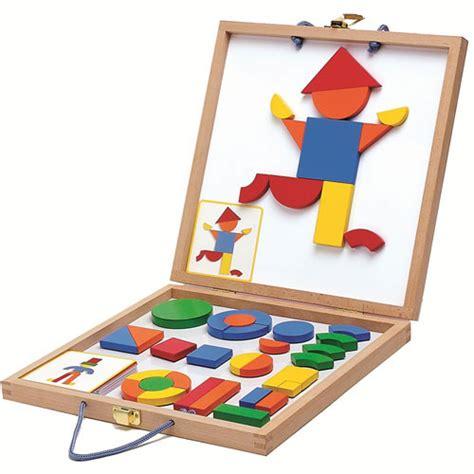 Speelgoed Djeco by Djeco Magneetkoffer Tangram 42 Ilovespeelgoed Nl