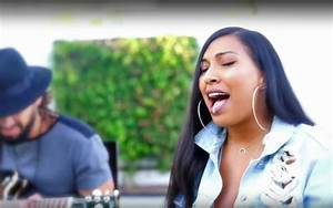 "Melanie Fiona Performs Acoustic Mash-Up of ""Location ..."