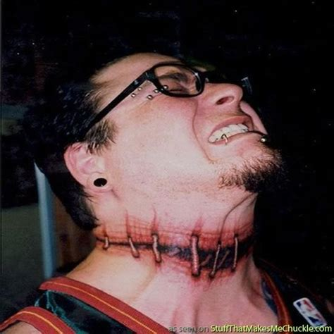Tatouage Cou  Modèles De Tattoos Sur Le Cou Pour Femme Et