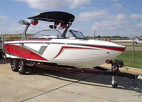 Ski Boats For Sale Oklahoma by Ski And Wakeboard Boats For Sale In Oklahoma City Oklahoma