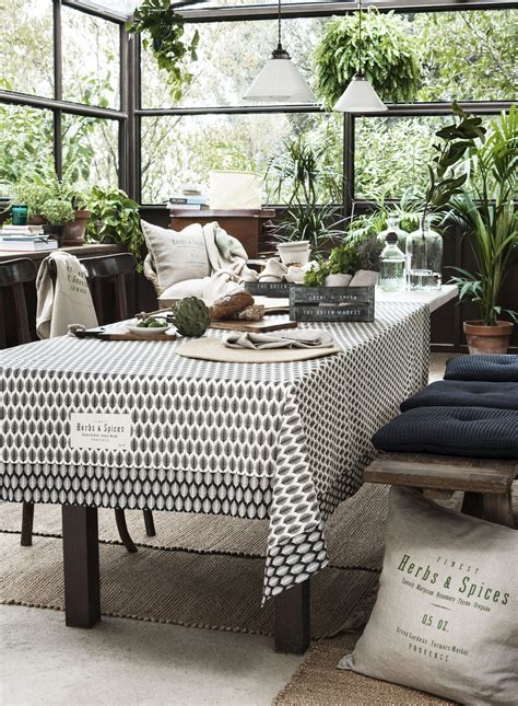 H M Handtücher by H M Home S Sumptuous 2016 Collection Goes Back To