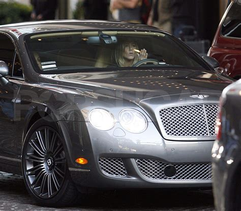 jennifer aniston driving  bentley  la