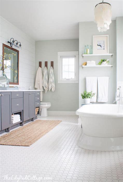 best 25 coastal inspired grey bathrooms ideas on
