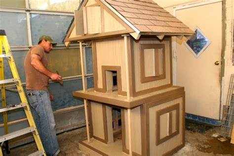 Pallet Outdoor Cat House Photo Dog Houses On Pinterest