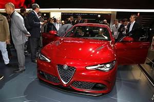 Alfa Romeo Giulia Prix Ttc : prix alfa romeo giulia qv 2015 les prix et les photos d 39 int rieur photo 7 l 39 argus ~ Gottalentnigeria.com Avis de Voitures