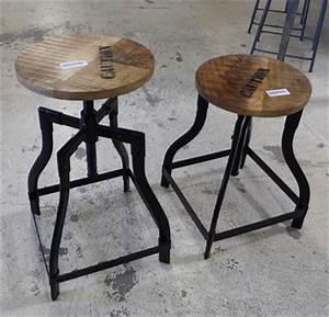 Tabouret Style Industriel : bars et comptoirs ~ Teatrodelosmanantiales.com Idées de Décoration