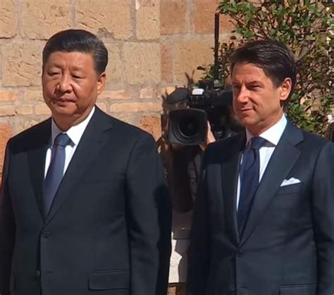 Il protagonista di oggi è il presidente cinese xi jinping, che rivendicherà di aver sconfitto il covid e rilanciato la sua economia mentre l'occidente fatica a vedere l'uscita dal tunnel. Italy, China Sign Accord Deepening Economic Ties | | Unicpress