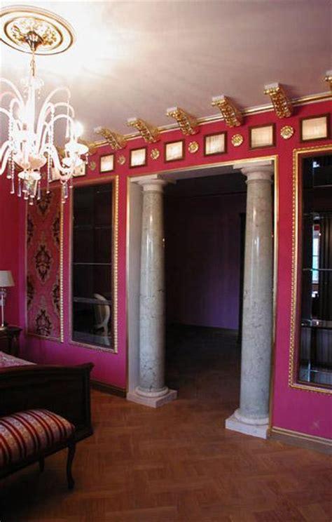 modern interior design ideas incorporating columns  spacious room design