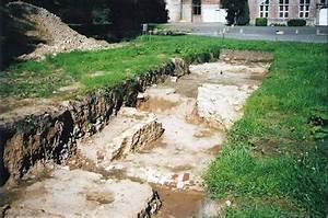 Fouilles au château de Trazegnies