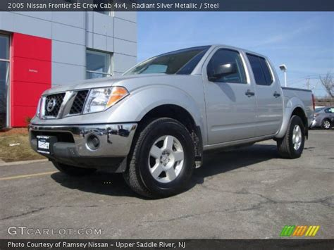 2005 Nissan Frontier Crew Cab by Radiant Silver Metallic 2005 Nissan Frontier Se Crew Cab