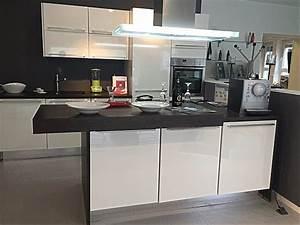 Nobilia Küche Ohne Geräte : nobilia musterk che verkauft lux insel k che ausstellungsk che in neustadt von ~ Yasmunasinghe.com Haus und Dekorationen