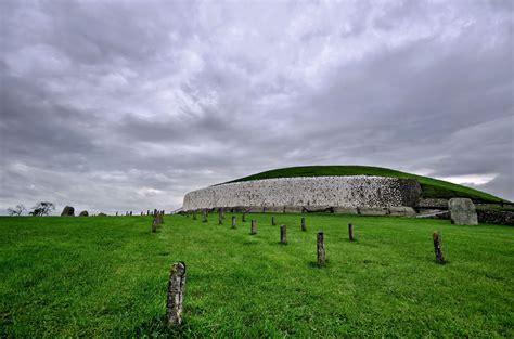 passage graves  bru na boinne  county meath