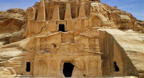 Lost City Of Petra Aquiziam