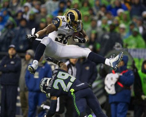 st louis rams rb todd gurley named vavel nfl rookie