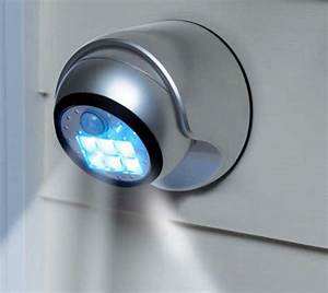 rete per zanzariere trieste idees de design d39interieur With carrelage adhesif salle de bain avec medo 40 led