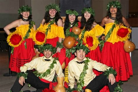 Hulu Lessons, Hawaiian Dance Performance At The
