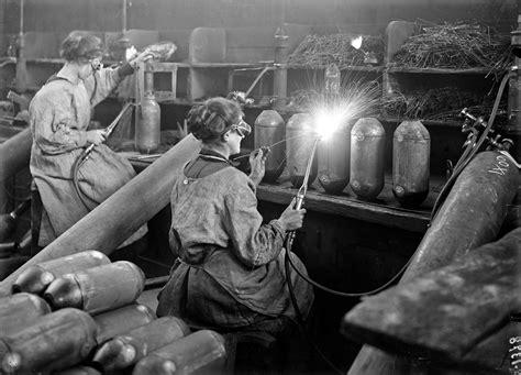 dans les toilettes des femmes sp 233 cial verdun 2016 le r 244 le des femmes dans l industrie de la grande guerre
