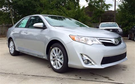 2014 Toyota Camry V6 2014 toyota camry xle v6 review startup exhaust