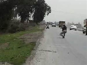 How to direct traffic in Iraq - YouTube