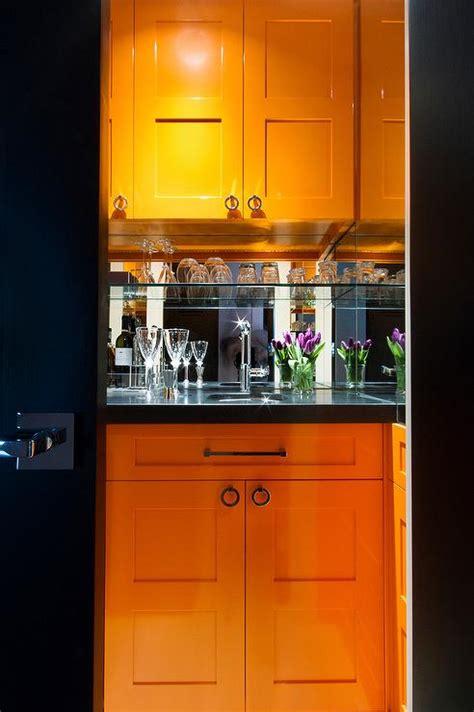 Wet Bar Mirror Backsplash Design Ideas