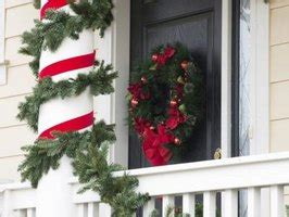 how to decorate indoor column for xmas how to decorate columns for with pictures ehow