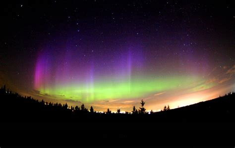 northern lights tours canada 3 places where to experience the northern lights in autumn