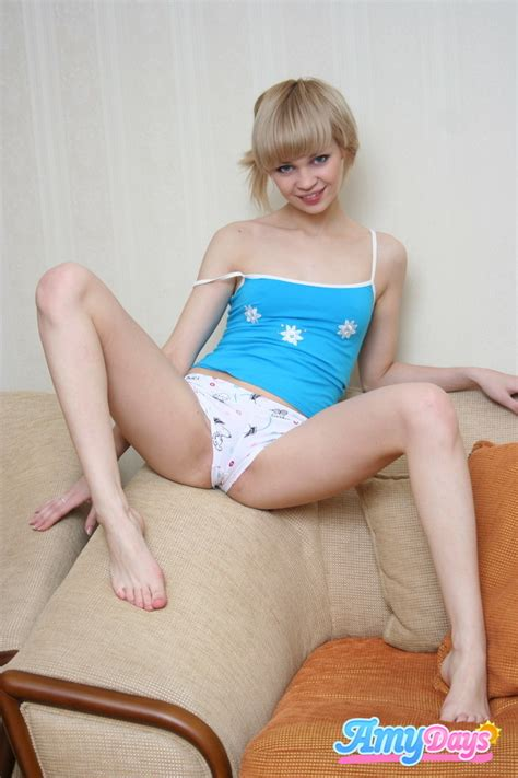 Short Hair Blonde Teen Tease Porno Bilder Sex Fotos Xxx