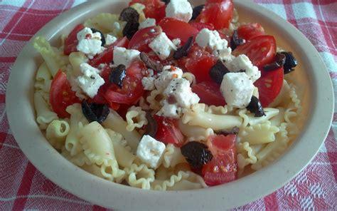 recette salade de p 226 tes aux tomates f 233 ta olives pas