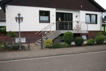 Stahltreppen Fuer Innen Und Aussen by Stahltreppen F 252 R Innen Und Au 223 En Nach Ma 223 Schramm Metallbau