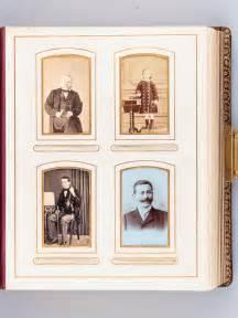 Album Photo Ancien : anonyme bel album photo ancien en plein maroquin bordeaux avec 57 portraits par philadelphe ~ Teatrodelosmanantiales.com Idées de Décoration