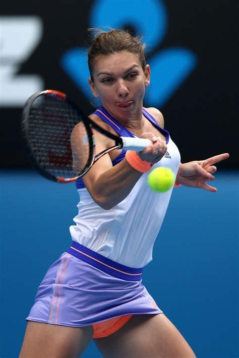 Australian Open: Caroline Wozniacki beats Simona Halep to win first Grand Slam title - BBC Sport