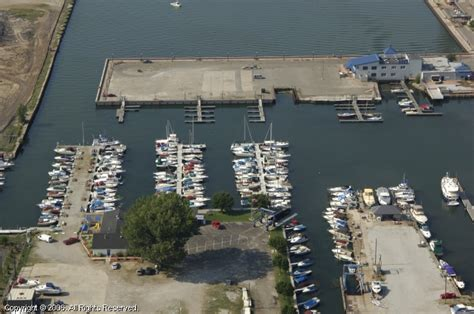 Boat Service Erie Pa by Presque Isle Yacht Club In Erie Pennsylvania United States