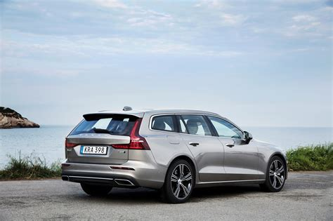 2019 Volvo V60 Inscription T6 Awd First Drive Review