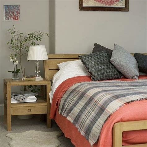 grey and coral bedroom home decorating ideas