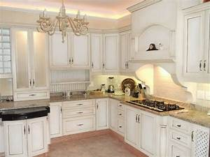 Shabby chic cabinetry - Kitchen Cabinetry - other metro