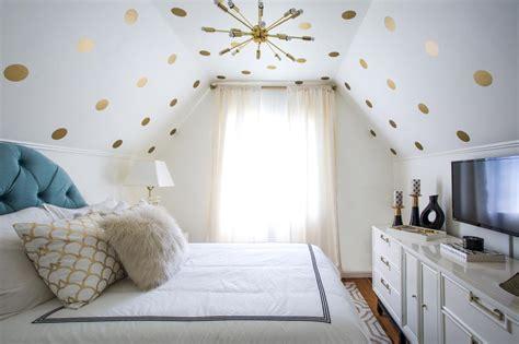 14 Ideas For Small Bedroom Decor  Hgtv's Decorating