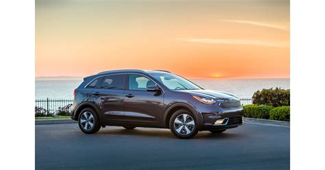 2018 Kia Niro Plug-in Hybrid Crossover Makes North