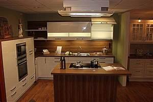 L Küche Mit Kochinsel : sch ller musterk che gala hochwerige l k che mit gro er kochinsel und 3 8 cm starken wangen ~ Sanjose-hotels-ca.com Haus und Dekorationen