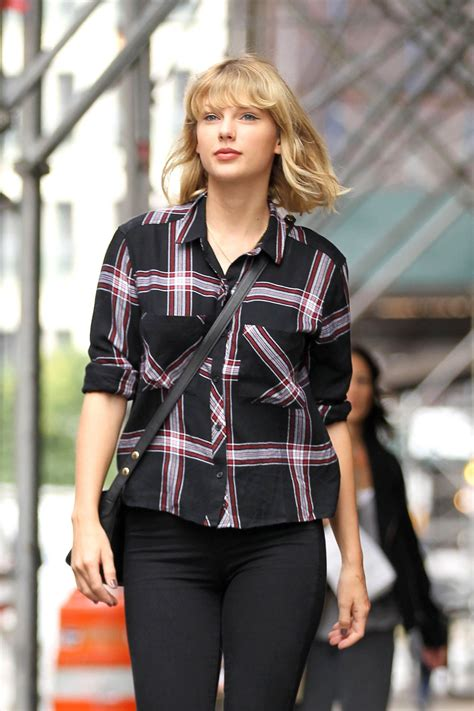 Taylor Swift Casual Style - Tribeca, NYC 9/28/ 2016 ...