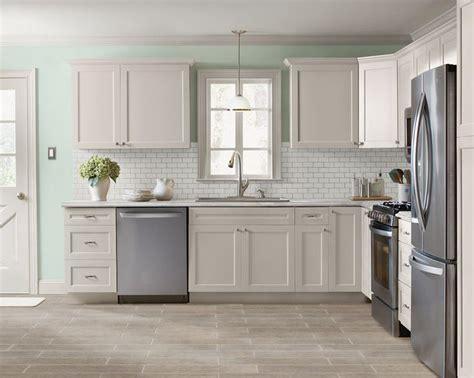 kitchen facelift refacing  cabinetssubway tile