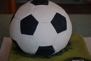 Fußball Torte Rezept : fu balltorte fussballtorte fu ball fondant motivtorte ~ Lizthompson.info Haus und Dekorationen
